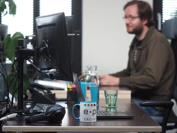 e-pixler Entwickler beim programmieren